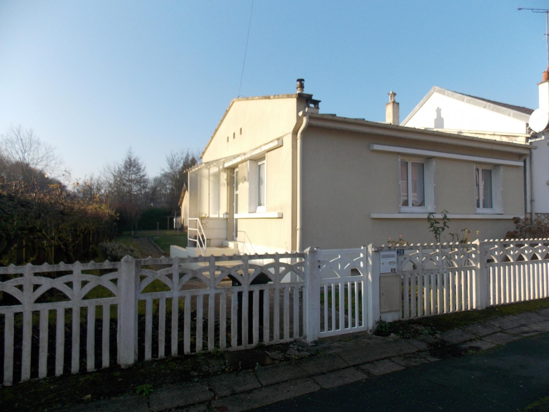 Aux portes du centre ville achat de maison de 51 m2 for Piscine lisieux